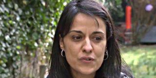La sudorosa Anna Gabriel 'hace un Puigdemont', huye de la Justicia y anuncia que se queda en Suiza