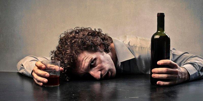 ¿Sabes que la evolución podría acabar con los alcohólicos en el futuro?