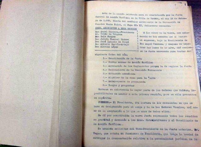 La UPSA recibe el archivo histórico de Acción Católica Española
