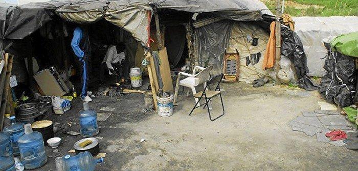 """Cáritas denuncia la situación """"inhumana"""" de migrantes en Huelva"""