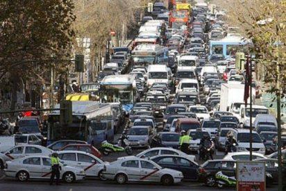 Los atascos han crecido en Madrid hasta las 42 horas por conductor al año con Carmena