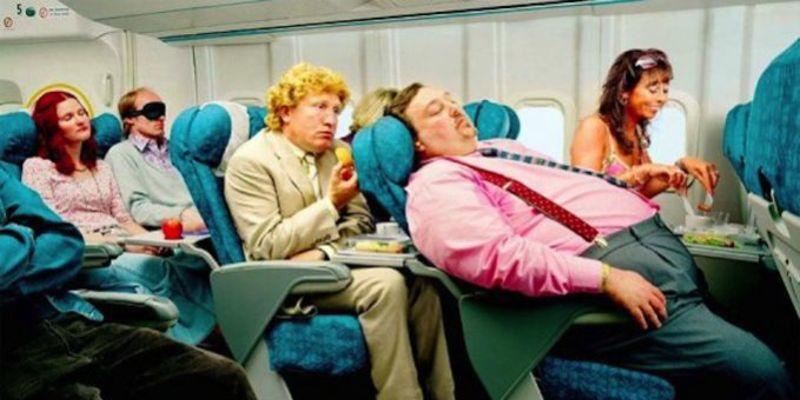 Técnicas sencillas para dormir bien en un avión