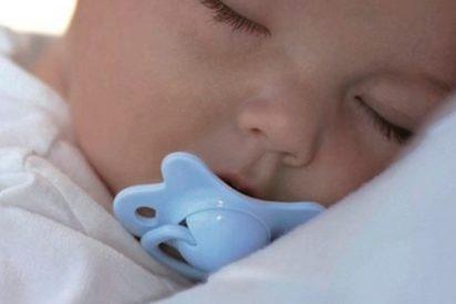 ¿Sabías que usar chupete después de los dos años puede perjudicar el desarrollo de la boca del bebé?