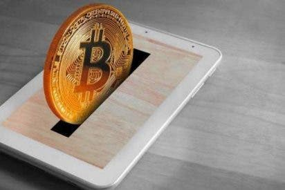 """Los bancos centrales piden intervenir antes de que estalle el bitcoin: """"Es una mezcla de burbuja y esquema Ponzi"""""""