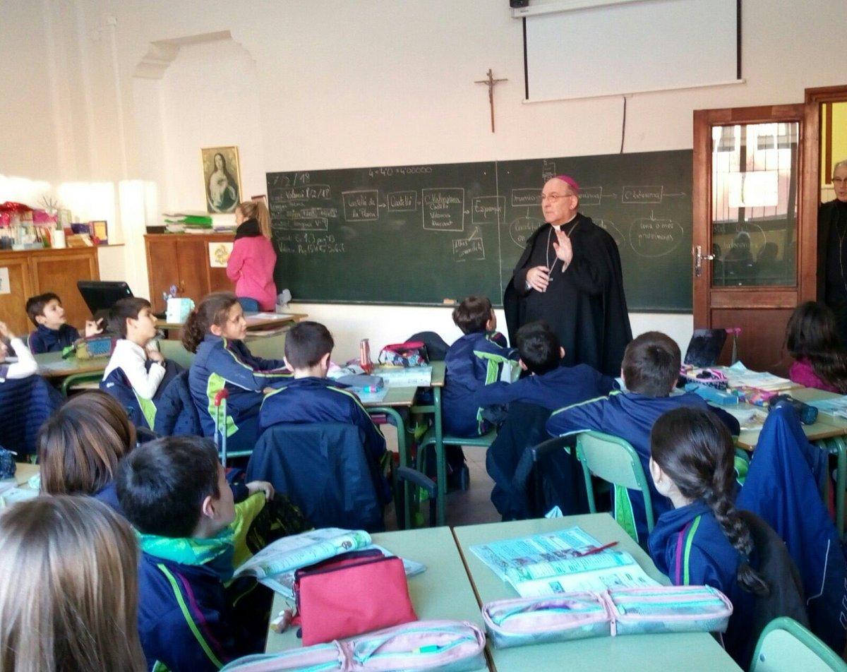 El obispo de Castellón denuncia el veto a visitar dos colegios