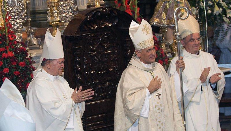 """Piden la mediación del Nuncio y de los cardenales Osoro y Omella """"para enderezar la marcha desviada"""" de la diócesis de Cádiz"""