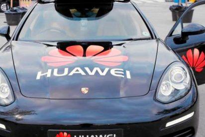 Así es el teléfono móvil que conduce un coche vía wifi