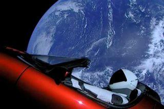 ¿Cuál es el destino del coche Tesla que SpaceX y Elon Musk mandaron al espacio en el cohete Falcon Heavy?