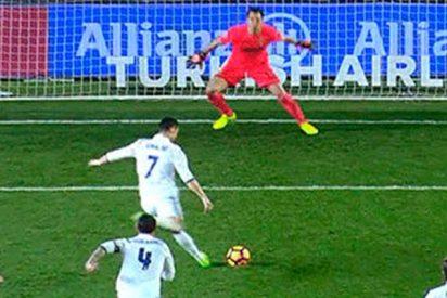 ¿Sabes cuál es el truco secreto de Cristiano Ronaldo para tirar penaltis?