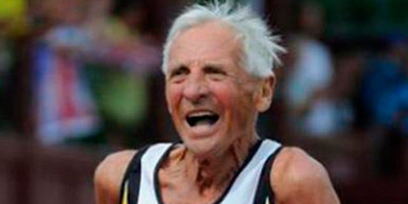 Hacer ejercicio moderado reduce el riesgo de muerte en hombres mayores