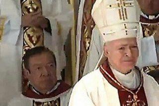 Al borde de las lágrimas, el cardenal Carlos Aguiar se despide de la Arquidiócesis de Tlalnepantla