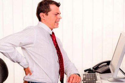 ¿Sabes cómo prevenir y controlar el dolor de espalda en el trabajo?