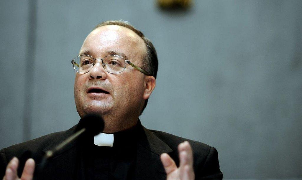 Scicluna se enfrenta al Nuncio y se entrevistará con víctimas de Karadima y laicos de Osorno