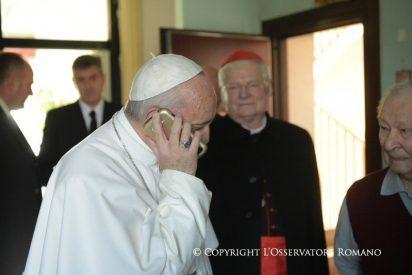 El teléfono rojo del Papa, número desconocido