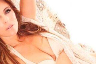El sexy topless de Elizabeth Hurley a sus 52 años