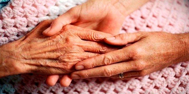 ¿Sabes que el Alzheimer presenta otros síntomas que no tienen nada que ver con la memoria?