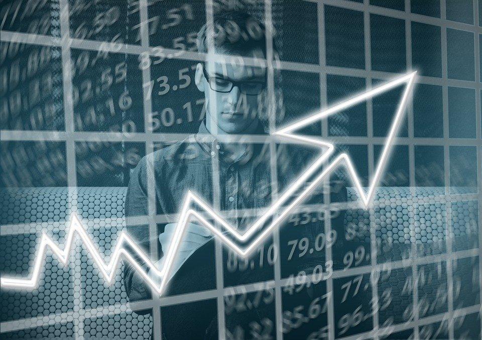 El Ibex 35 baja un 0,55% y cae hasta los 9.822,4 puntos