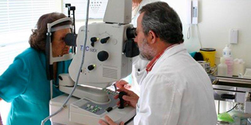 ¿Sabías que realizar una prueba de fondo de ojo cada año en personas mayores con diabetes, es clave para prevenir la retinopatía diabética?