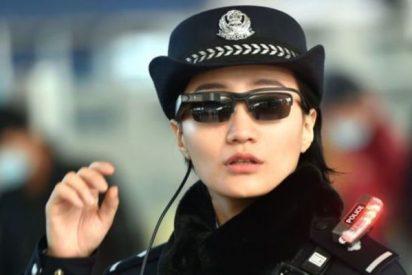 La Policía china usa gafas de reconocimiento facial para pillar delincuentes
