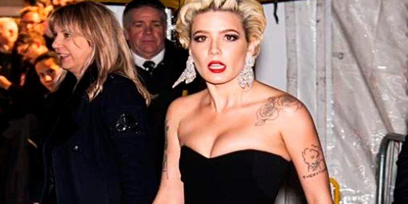 Halsey, la cantante que enseñó el potorro en la gala amFAR