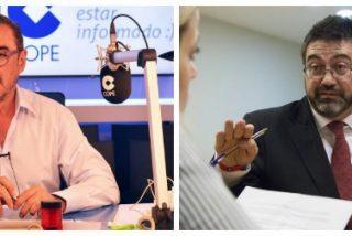 """Carlos Herrera destroza al """"imbécil"""" podemita de Sánchez Mato por repartir panfletos en contra de De Guindos"""