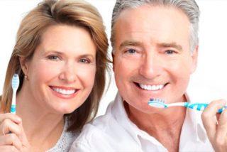 Lo que realmente limpia los dientes y la placa es el uso adecuado y eficaz del cepillo