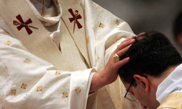 El cardenal Osoro ordenará cinco diáconos jesuitas
