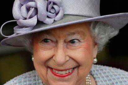 El sonoro pedo que hizo avergonzar a la reina Isabel II frente al sultán de Baréin