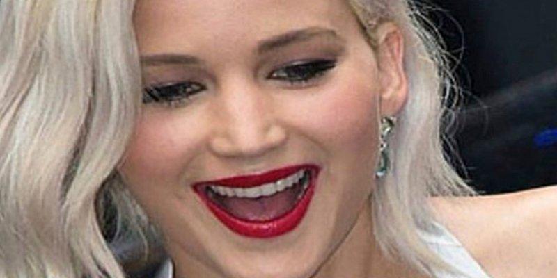 Jennifer Lawrence fuma porros