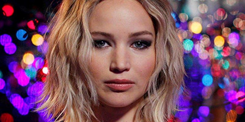 ¿Por qué el sencillo vestido de Jennifer Lawrence ha abierto un ridículo debate sobre el sexismo en Internet?