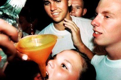 ¿Sabes por qué las adolescentes comienzan a beber antes que los adolescentes?