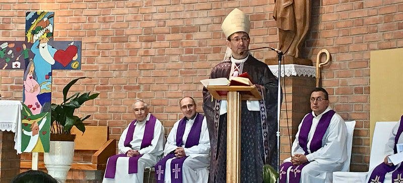 Un obispo en Caño Roto