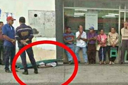 Venezuela: Muere un jubilado tras hacer fila dos días para cobrar una pensión de un dólar
