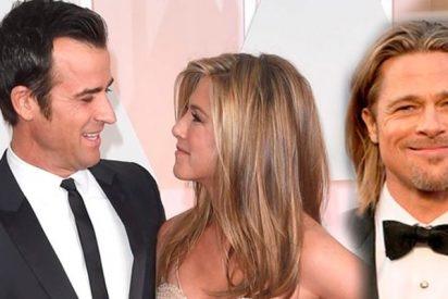 Justin Theroux encontró las notas de amor escritas por Brad Pitt a Jennifer Aniston y se pilló un gran rebote