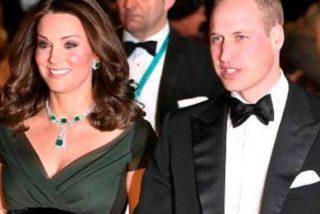 Kate Middleton pasa del protocolo y presume de escotazo en los Bafta