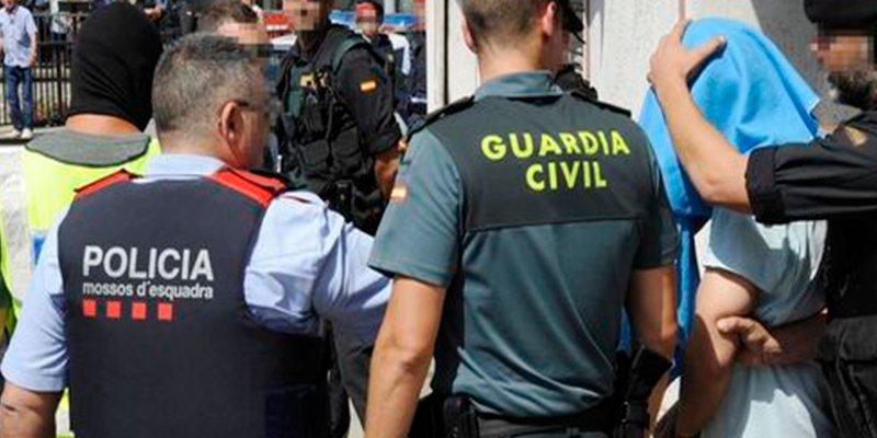 Guardia Civil y Policía Nacional dan por rotas las negociaciones con el ministro Zoido para su equiparación salarial con los Mossos