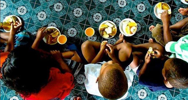 66 millones de niños y niñas van a la escuela con hambre