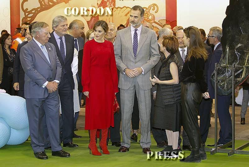 La Reina Letizia, entre Victoria Beckham y Meghan Markle en ARCO