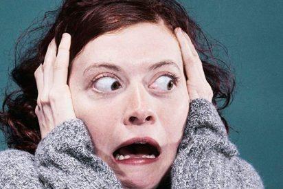 Mujer se arranca los ojos tras salir de la iglesia