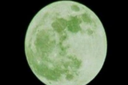 """Broma sin gracia: """"Si ha compartido el anuncio sobre la luna verde, borre su cuenta"""""""