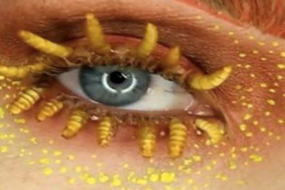 Los inquietantes diseños de la mujer que se maquilla con tarántulas, gusanos y mariposas