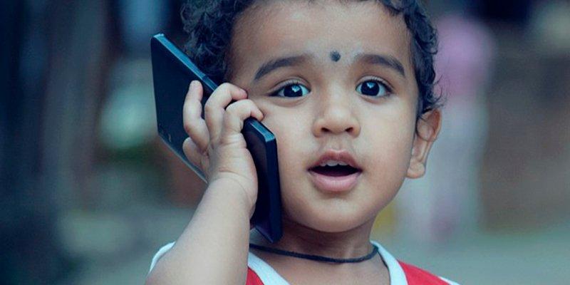 El 16% de los niños españoles recibe su primer smartphone antes de cumplir los 10 años