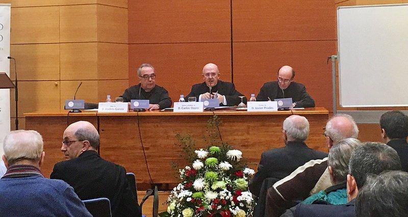 """El cardenal Osoro pide, como el Papa, 'resucitar' el Concilio Vaticano II y construir """"parroquias misericordiosas"""""""