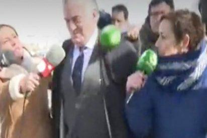 La incansable Cristina Pardo hace reír incluso a Luis Bárcenas con su pregunta