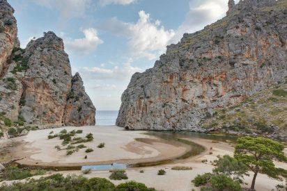 Primavera de color, aire libre y tradición popular en las Islas Baleares