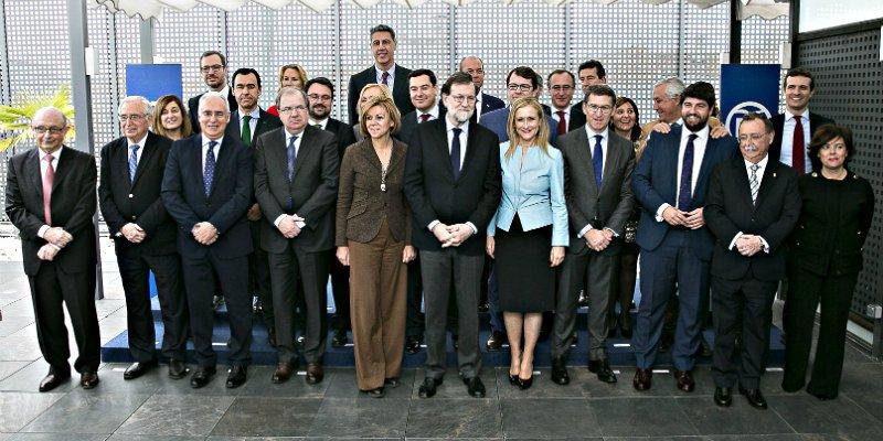 El CIS pega un susto al PP y restriega por la cara de Rajoy los tres errores que los están hundiendo