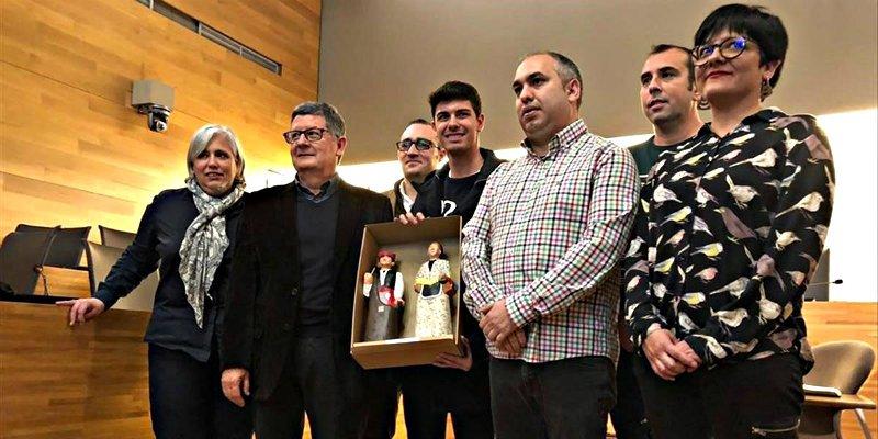 'OT': Alfred recibe un baño de masas en su pueblo catalán