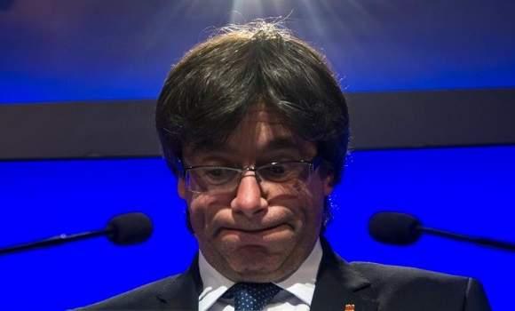Puigdemont 'imita' a Napoleón y termina derrotado y 'dimitido' en Waterloo