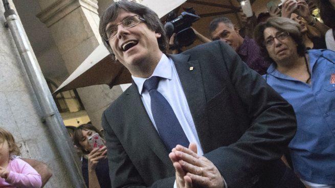 Puigdemont se atiborra de tortilla española para celebrar sus 100 días fugado