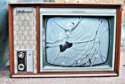 TV: Los 40 millones de españoles somos 'prisioneros' de 4.755 mandos a distancia